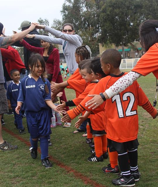 niños, partido de fútbol, espíritu deportivo